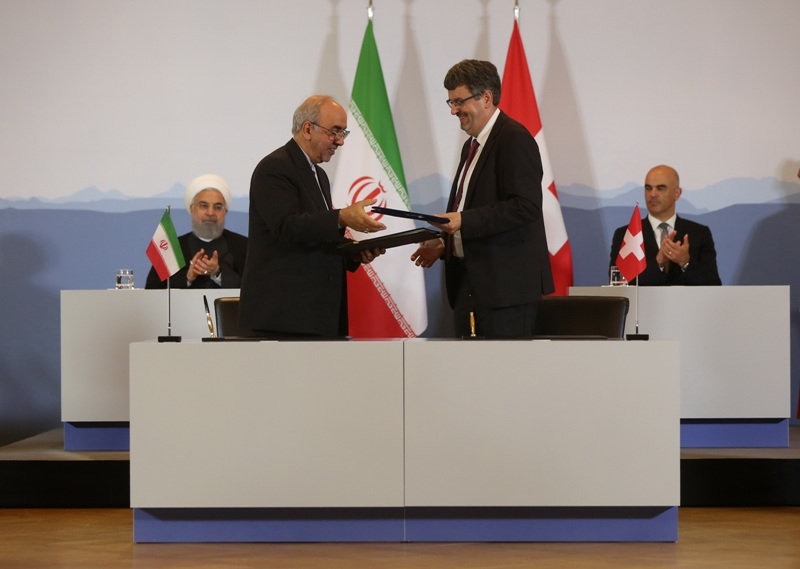 ایران و سوئیس سه سند همکاری علمی، بهداشتی و اقتصادی امضا کردند