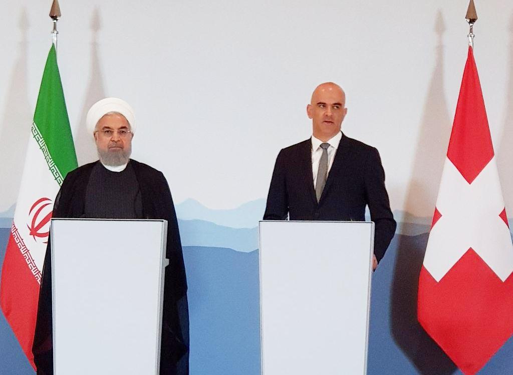 رئیس جمهور : تهدید به صفر رساندن صادرات نفتی ایران گزافه گویی است