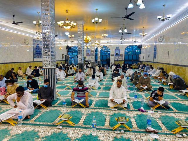 گزارش تصویری حلقه های روخوانی قرآن کریم در مسجد محمد رسوالله اهواز