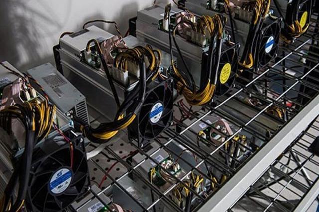 ۱۴ دستگاه ماینر قاچاق در خرمشهر کشف شد