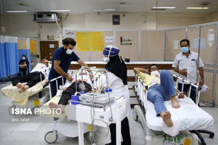 """ماجرای چمنخوابی اطراف بیمارستانهای کرونایی / """"لامبدا"""" بیخ گوش ایران"""