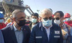 فعالیت دکل حفاری ۲۵ فتح با حضور وزیر نفت در اهواز بررسی شد