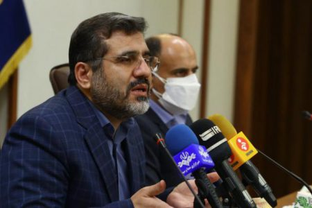 وزیر فرهنگ : خودکفایی تولید کاغذ در دستور کار دولت قرار دارد