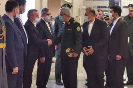 رئیس ستاد کل نیروهای مسلح جمهوری اسلامی ایران وارد مسکو شد